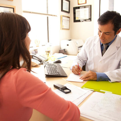 pregnant woman-doctors-office-photo-420x420-dtynan-0123