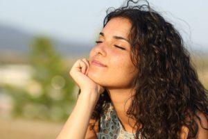 ¿Por qué hay secreción después de la ovulación?