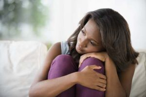 ¿Tienes un bulto doloroso en el seno? Posibles causas