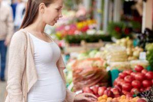 Comer papaya durante el embarazo